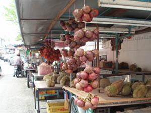 果物の屋台.jpg